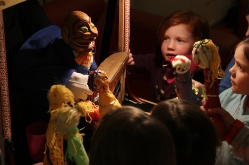Puppet workshop - Igor with his new friends