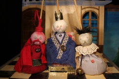 Le Rossingol du Roi - Bag Puppets - Wood, fabric, sand