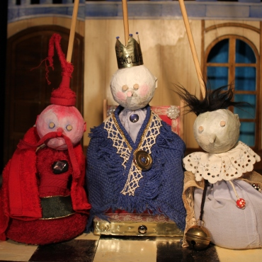 Le Rossingol du Roi - Bag Puppets - Wood, fabric, sand