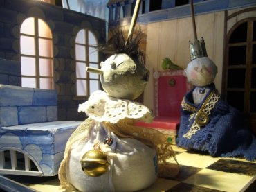 Klingel - Bag Puppet - Paper mache, wood, sand, fabric