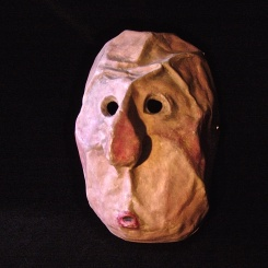 Silent mask, version 2 - Paper mâché